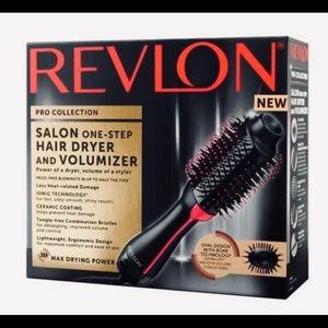 Revlon   Hair Dryer & Volumizer   Never Opened